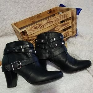 Jennifer Lopez Ankle Boots & Booties